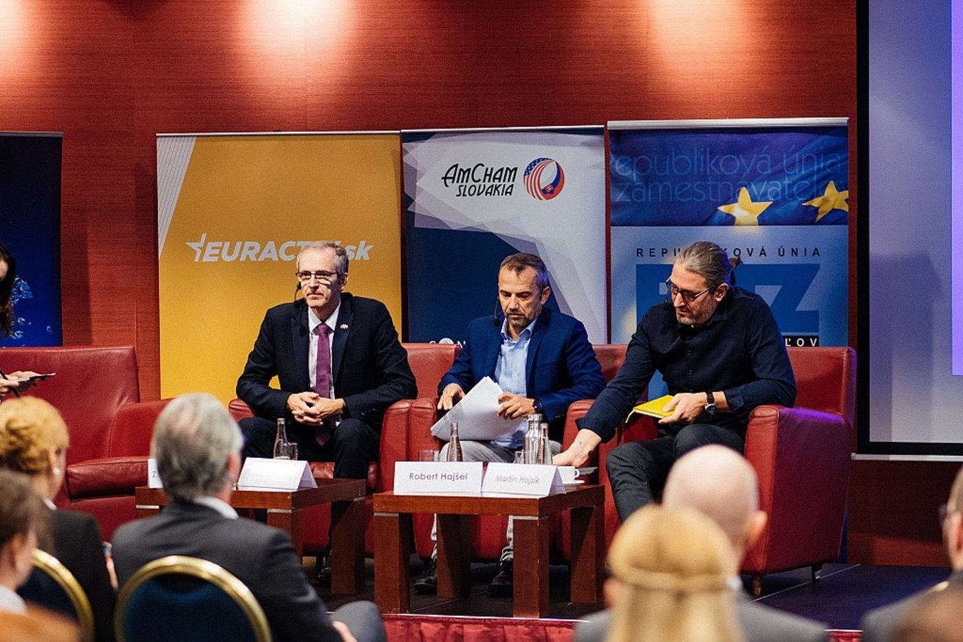 AmCham_Discussion_with_MEPs__061.jpg