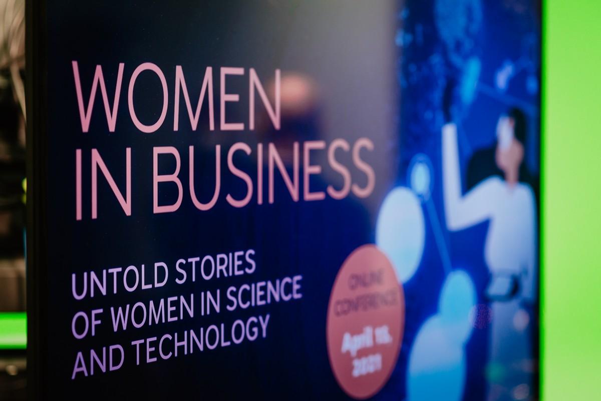 2021-04-15_AmCham_Women_in_business__018.jpg